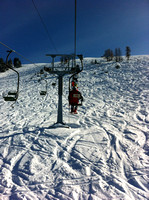 Single person chair lift